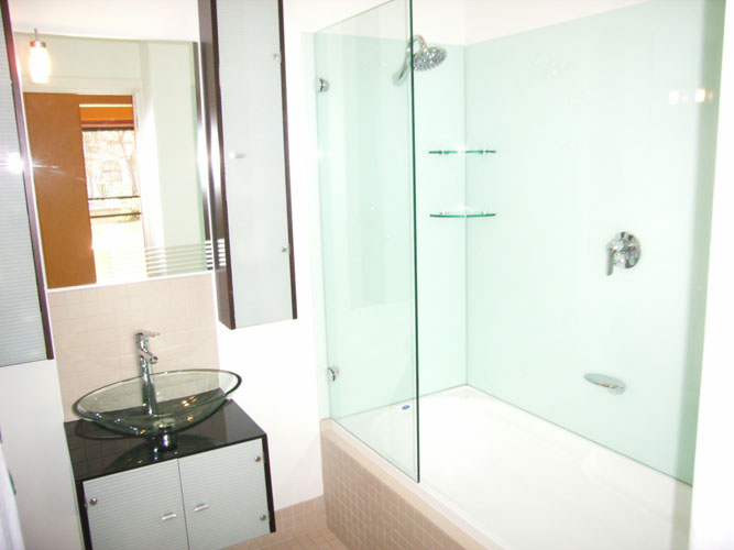Bathrooms adelaide kitchen glass splashbacks for Bathroom ideas adelaide
