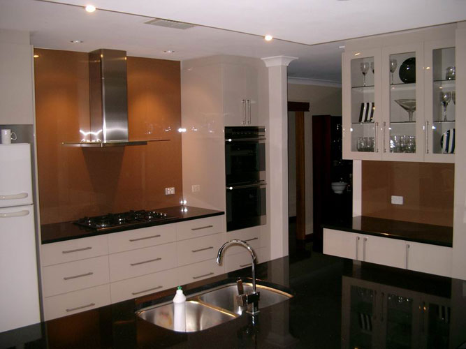 Metallic designs adelaide kitchen glass splashbacks for Kitchen ideas adelaide